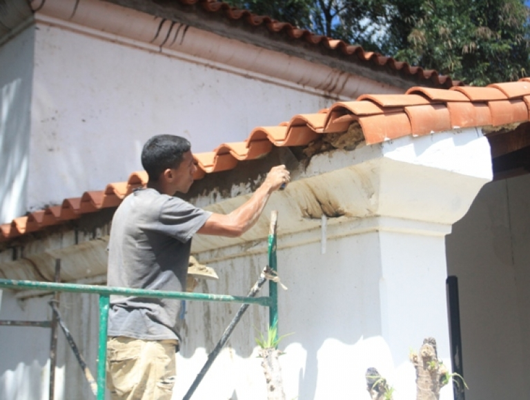 FEDE interviene edificaciones educativas de Distrito Capital con rehabilitaciones integrales