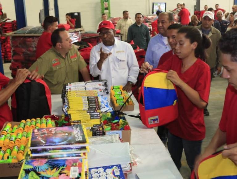 Gobierno Bolivariano inició la distribución de morrales escolares desde Aragua